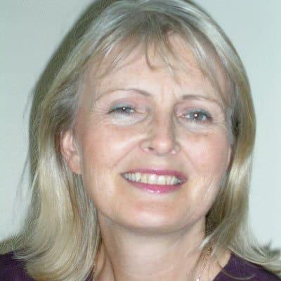 Lesley Hart, 9 June – 8 Sept, Kissos